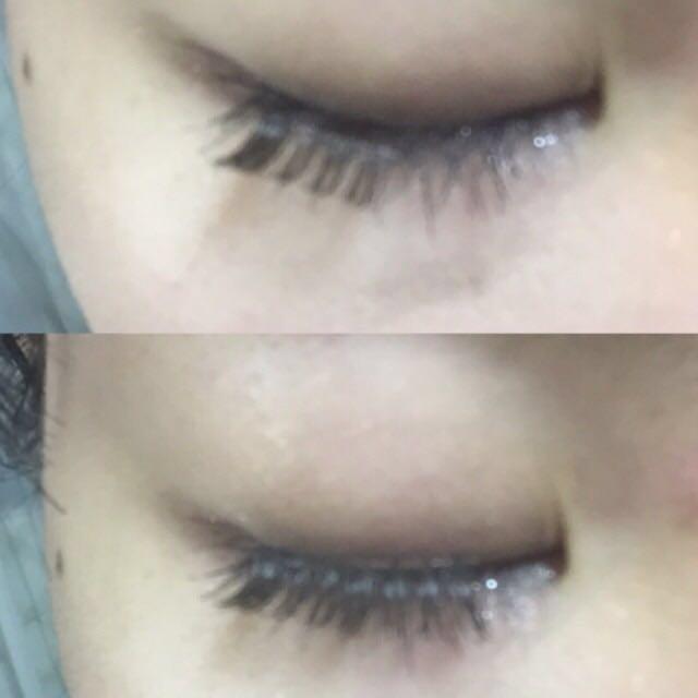 目尻→黒目上→目頭の順にノリではります♡  目頭は筋肉が目の中で1番動きすくヨレやすいので5mm避けてつけます♡
