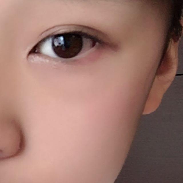 チークは目の下に細長く入れたらOKです