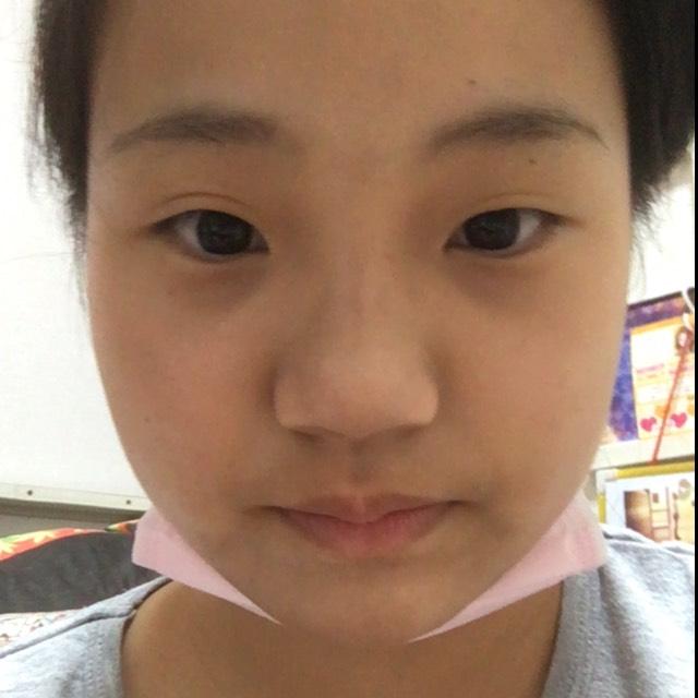赤メインメイク(半顔)のBefore画像