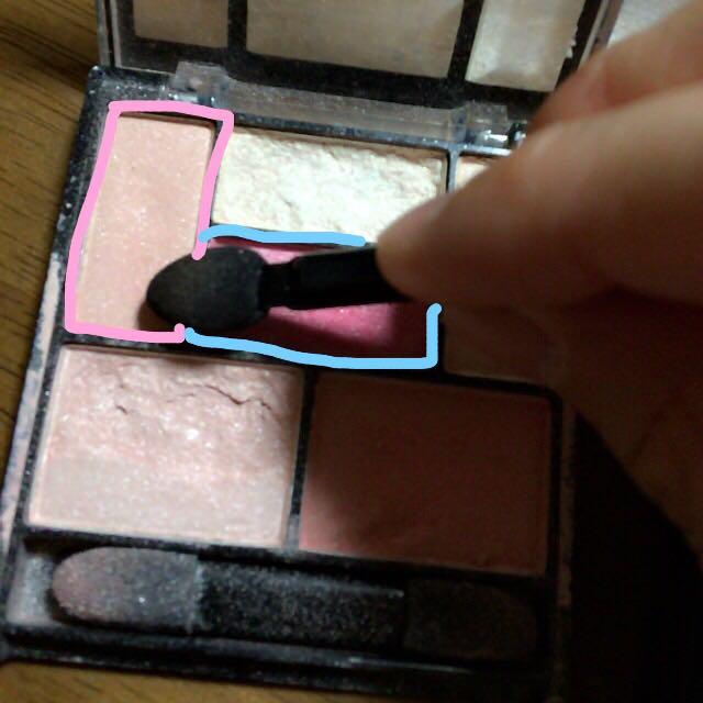 涙袋はこの2色を混ぜてつかいます☺️(あんまりピンク!!!になり過ぎないようにしています)