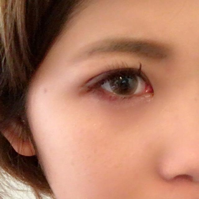 眉毛を描きます 眉毛の書き方はまた次回詳しくのせます