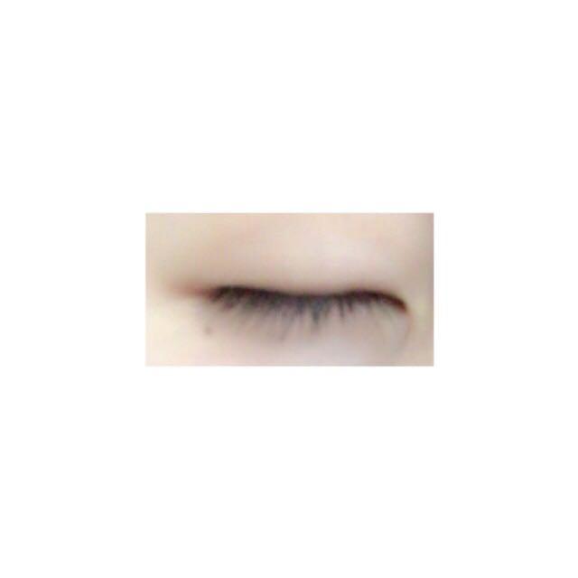 瞼にあぶらとかが付いてたら粘着力が弱いのでティッシュなどで拭く!