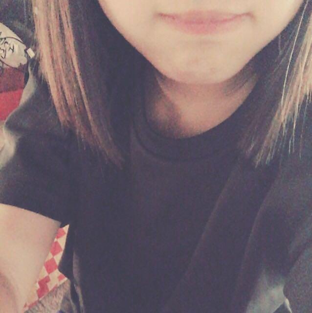 唇は濃いく塗るとおかしくなるので薄めに塗ってください☺️ 橋本カンナちゃんのリップを使いました