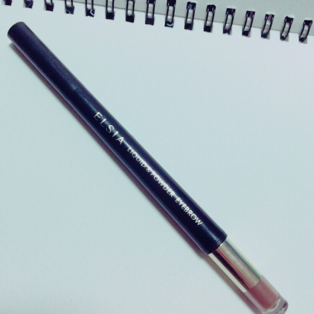 接著,使用「ELSIA 液體眉筆&眉粉棒 雙頭眉彩筆」BR31♪