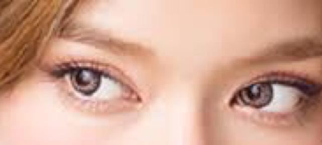 ローラちゃんの目を参考に^_^