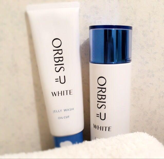夏の肌ケア編  左から オルビスユーホワイト ジェリーウォッシュ  オルビスユーホワイトローション