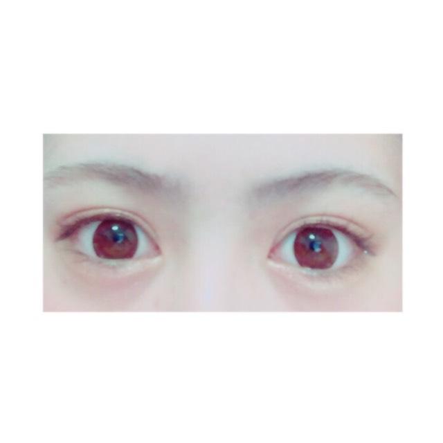 這是我素顏時的眉毛⠒̫⃝ 因為睡眠不足,所以眼睛看起來狀態不好(・・;)