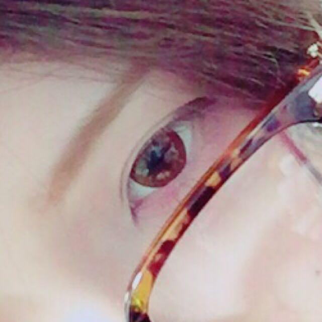 眉毛は眉マスカラのみ使って並行に気持ち細く