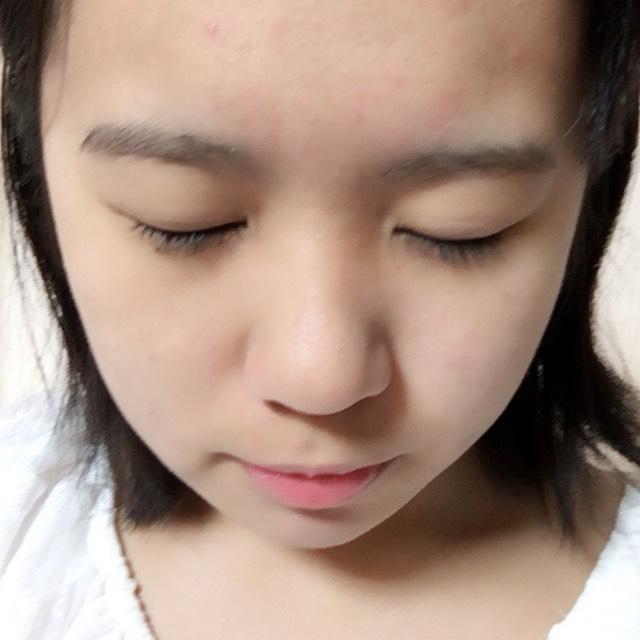 頬、額、鼻、顎とさささ〜っと塗ります。