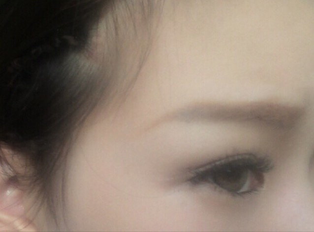 眉毛脱色。眉毛事情のAfter画像