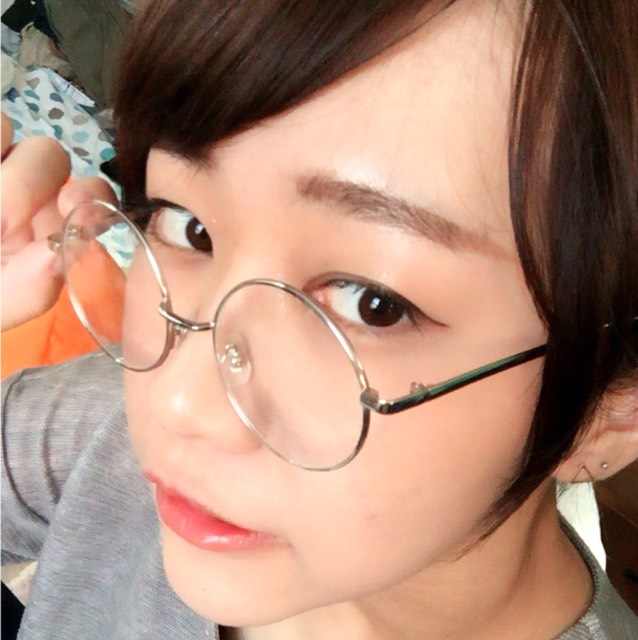 丸メガネ。