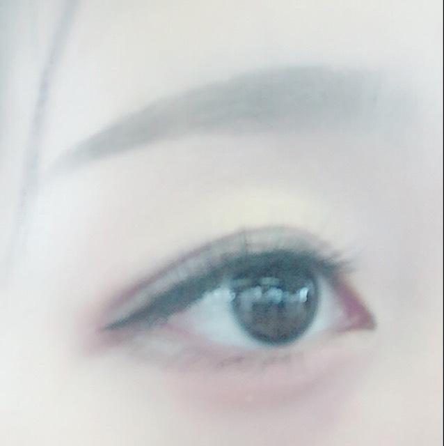 つり目+たれ目の幅広メイク