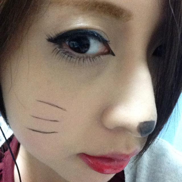 裸眼でネコメイク