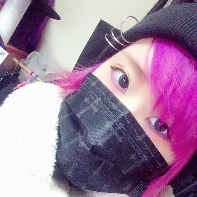 紫アイライン