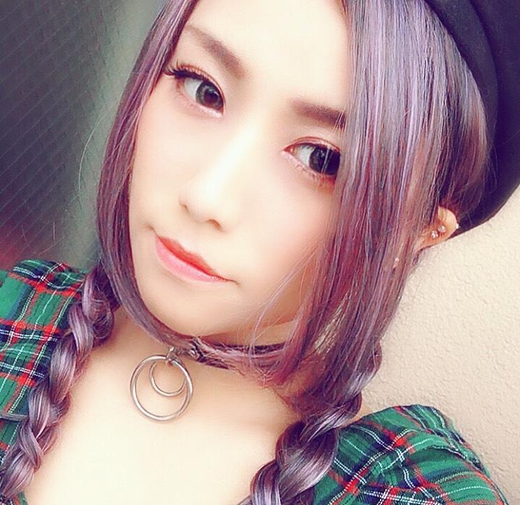 紫ウィッグ×赤メイク