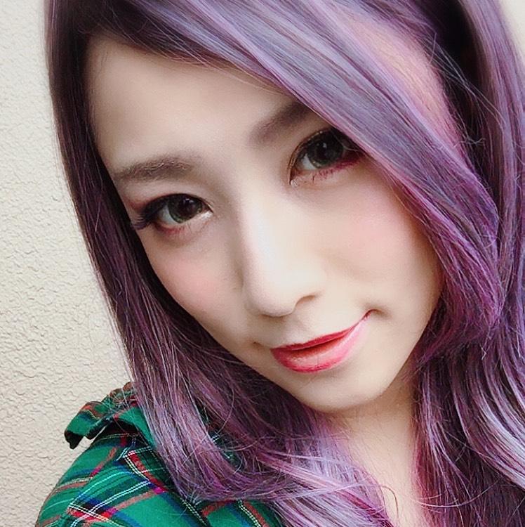 紫ウィッグ