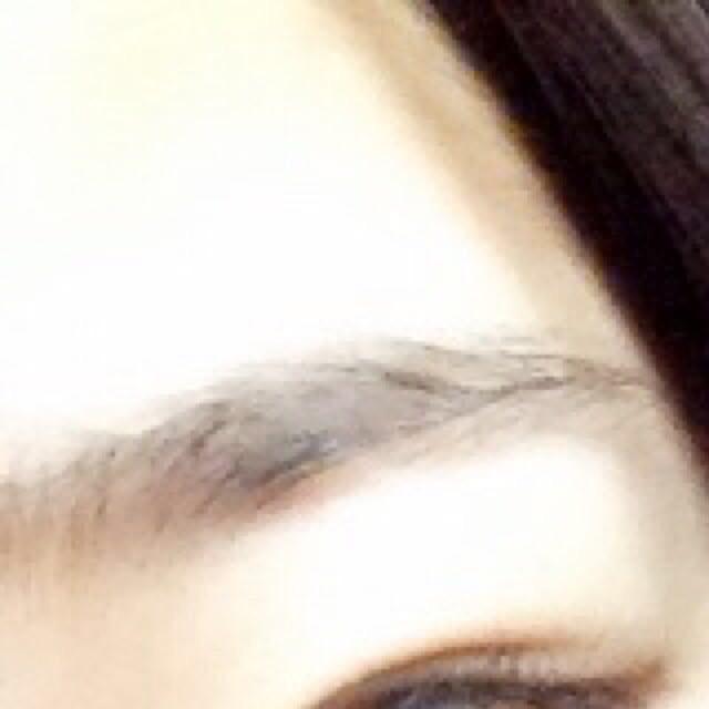 ✩アイブロウ✩ 薄く!自然に見せたいので少しづつ足してく感じでふわふわ眉毛に。 眉マスカラしても大丈夫です!