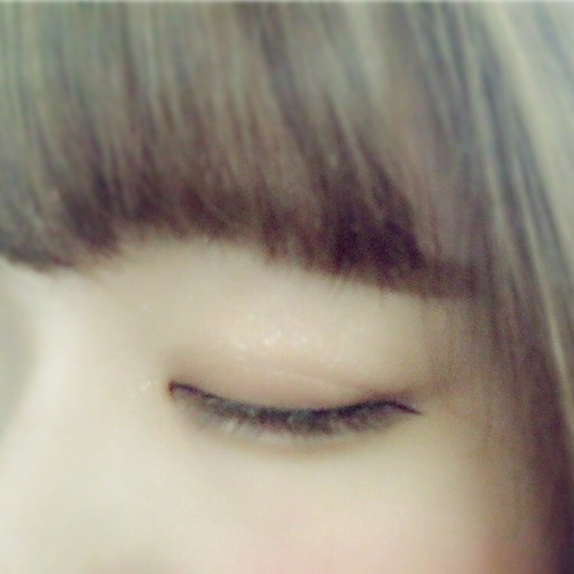 ☆目を閉じたとき☆ 二重幅は自分似合う幅で、欲張りすぎないことで自然に見えます!