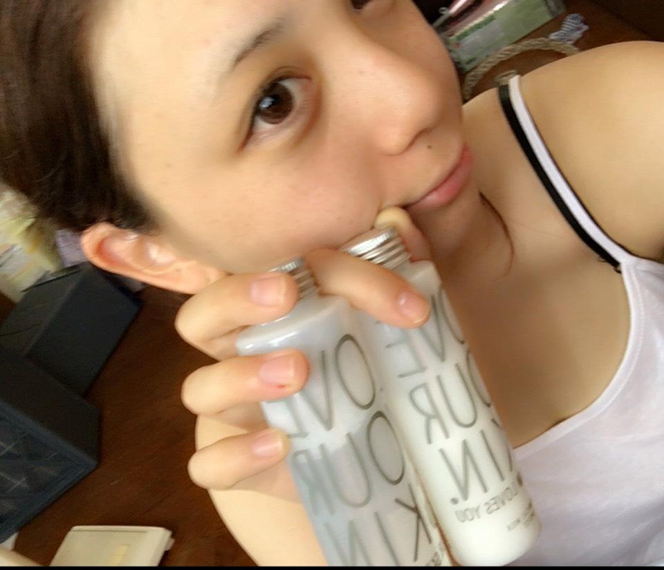 化粧水と乳液 ボタニストのやつかなりいい( ¨̮ )