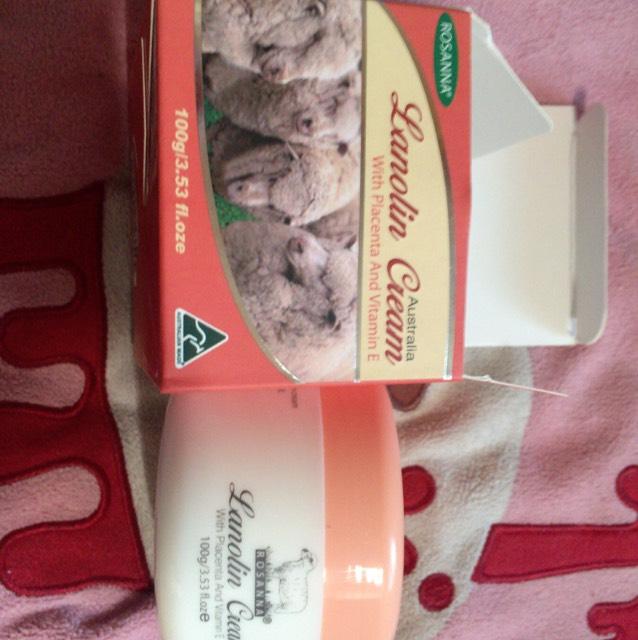 弟からオーストラリアのお土産( ◜◒◝ ) ラノリンクリーム! 完全オーガニックで、プラセンタとビタミンE配合です!