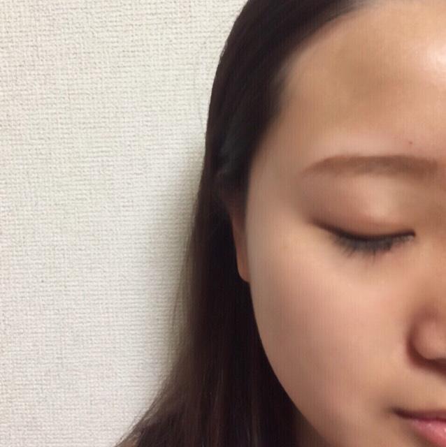 小顔メイクのBefore画像