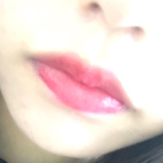 唇は薬用リップを塗ってからグロスのみ!! 唇真っ赤にするともっと大人っぽくなれます!!