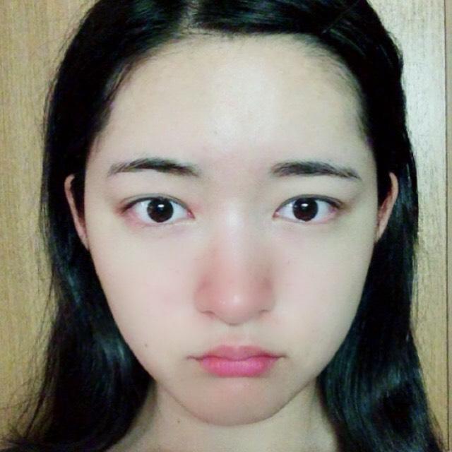 三白眼向けのメイクのBefore画像