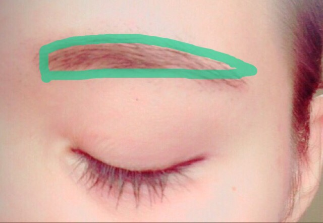 眉毛は平行にします。