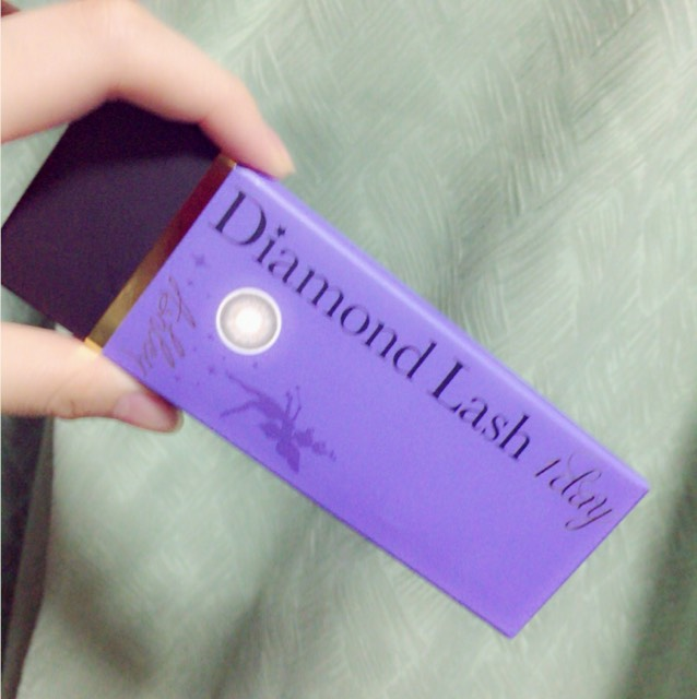 使用したカラコンは Diamond Lashのアシュレイです!  14.5mmの割には違和感もなくナチュラルに瞳が大きくハーフっぽくなるし ちょうどいい厚みで付け心地が良かったです!