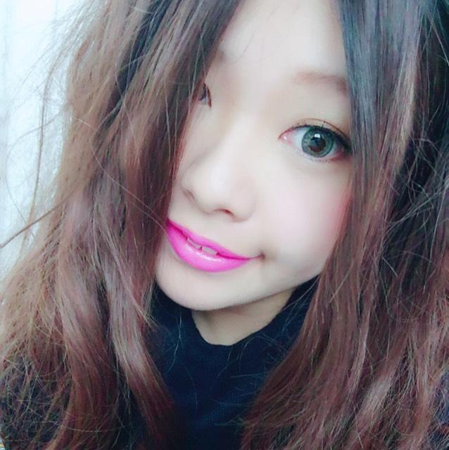青×ピンクのハーフ系メイクのAfter画像