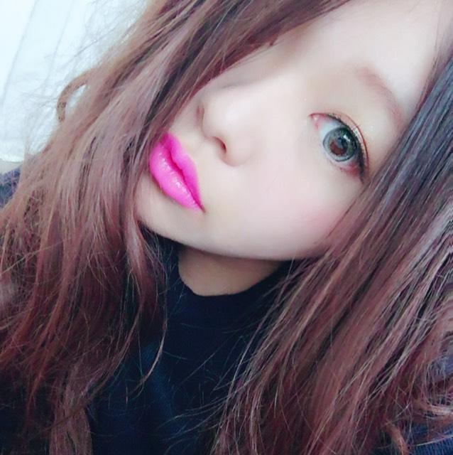 青×ピンクのハーフ系メイク