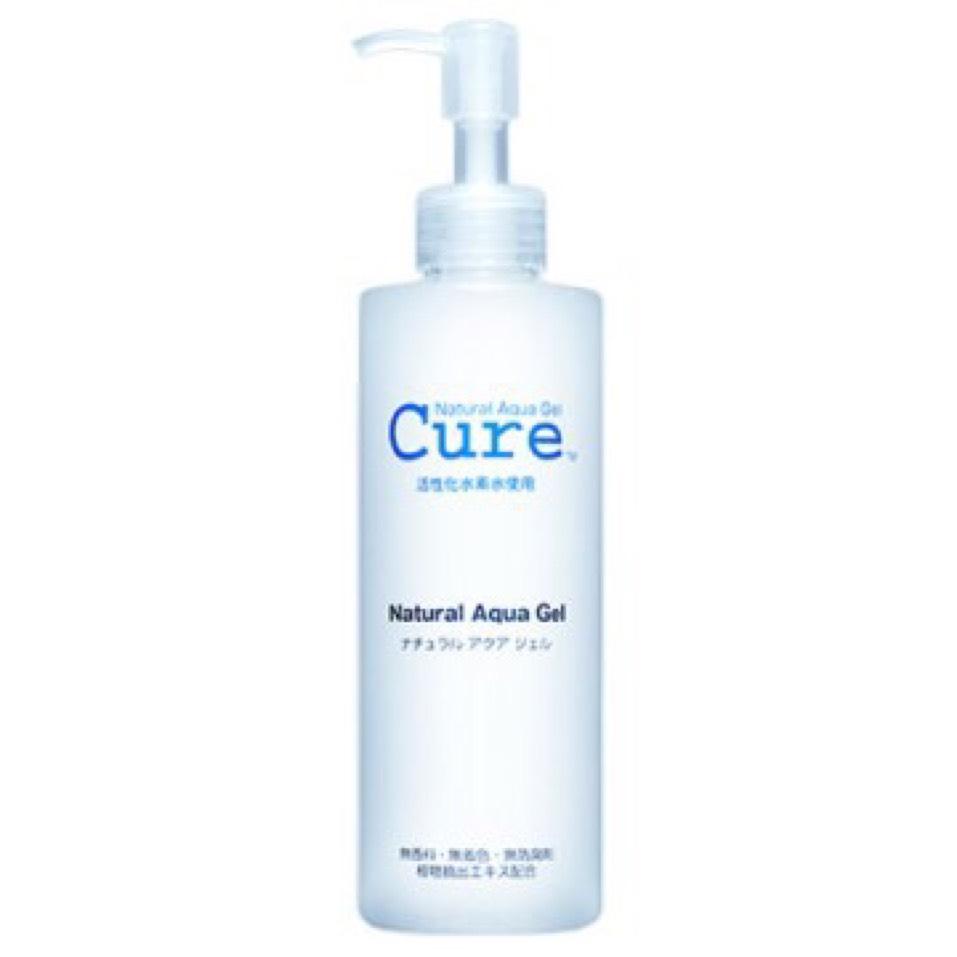 泡を洗い流して、顔がザラザラするようであれば、ピーリングジェルを使います。 これは毎日やると肌が荒れてしまうので、週1~2にしてください。