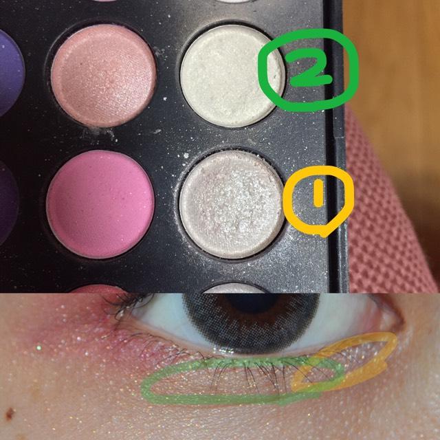 次は涙袋! ①のキラキラを黄色の線に塗り ②のクリーム色を緑の線に塗ります