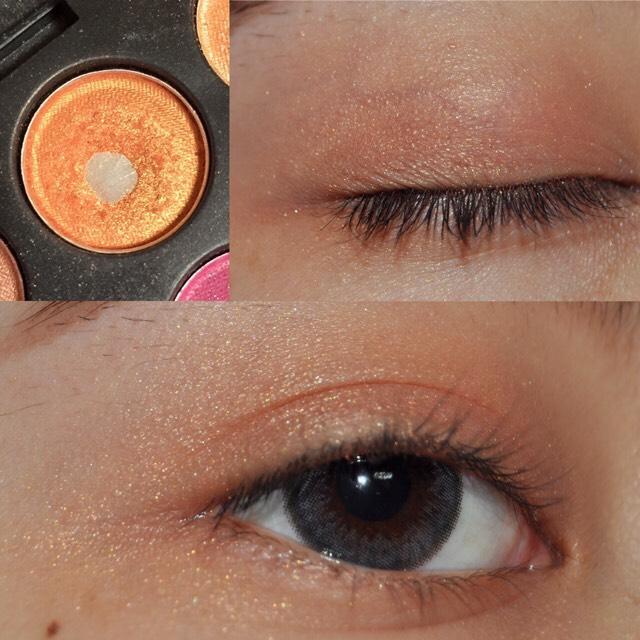 オレンジ、明るいブラウンのキラキラの入ったシャドウを瞼全体と目尻下まで大きい く  の字に塗ります