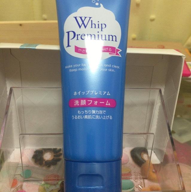 ドラックストア ホイッププレミアム洗顔フォーム300円位