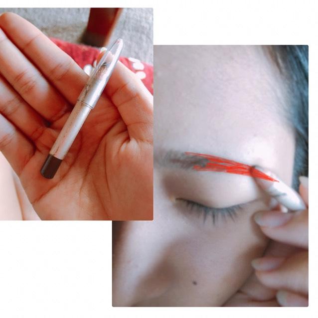 アイブローペンシルで自分のしたい眉毛を書いていきます。この時は眉尻を中心にかいていきます!