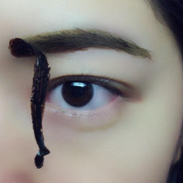 ぺりぺり、、、 はがす時は全く痛くないです。粘着力の弱いセロハンテープを眉毛に付けて剥がす程度の痛さ。(?) 意外と綺麗に剥がれるよ(o^^o)
