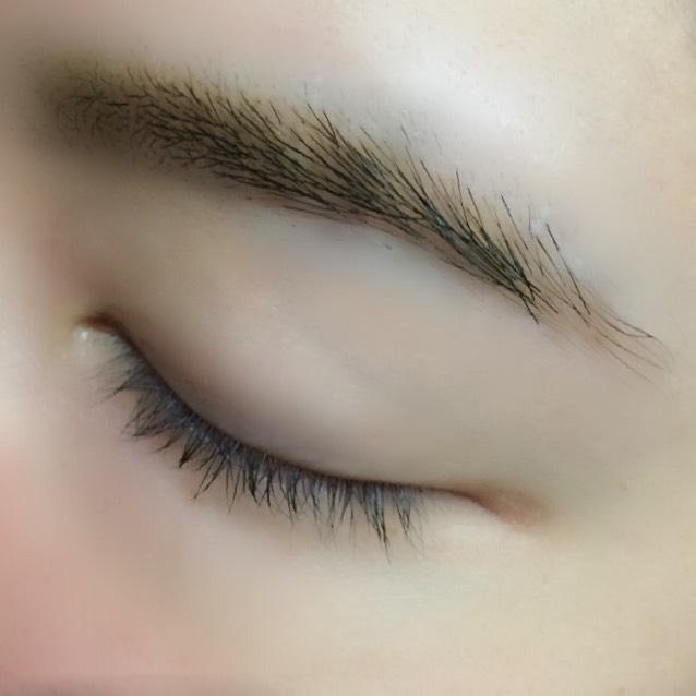 眉ティント5日後、、、 眉尻はもうほとんど形残ってないです。 地肌が茶色いだけ、、、 もうそろそろ限界が、、、笑
