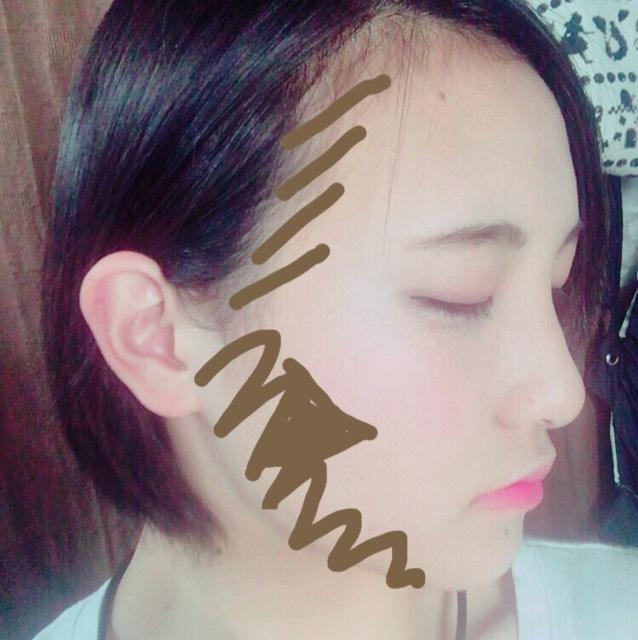 シェーディングを写真のようにいれます。 顔と首の栄を目立たなくするために首のほうにまでしっかりブレンディングしてください。