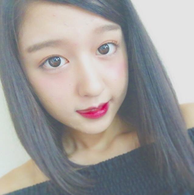 ←SNSで大人気のモデル、市野莉佳・莉子のモノマネメイク… 似てるかな?!!