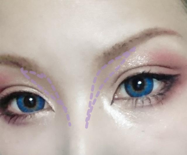 眉毛、ノーズシャドウ共にセザンヌのシャドウの一番暗い色をつかいます。 ハイライトも忘れずに