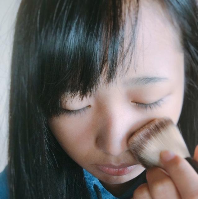 粉を筆をつかってつけていきます!私はACのやつを使っています(*^^*)