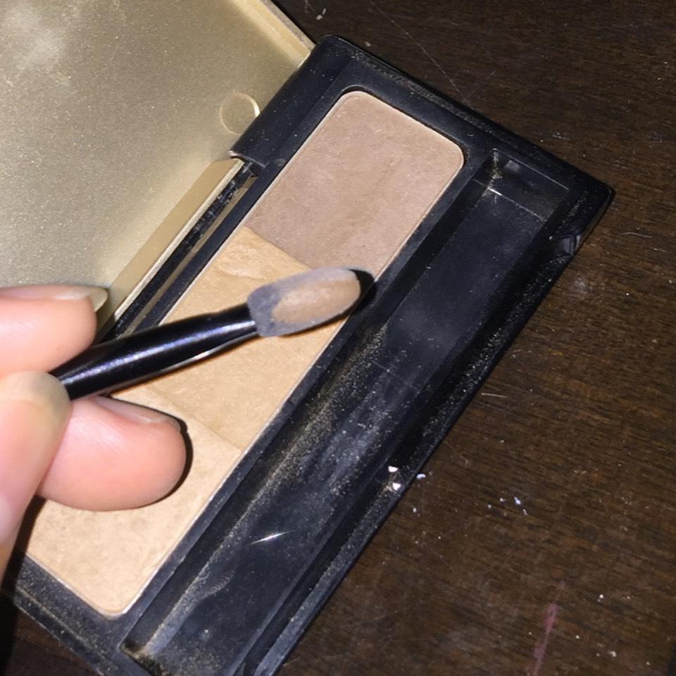 一番暗いカラーをチップの側面にとります。