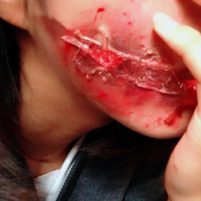 ハロウィンメイク  口裂け女のAfter画像