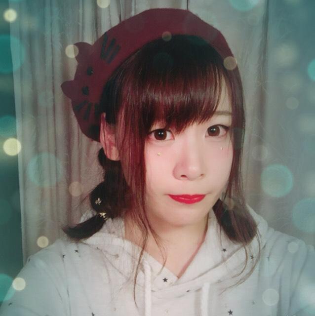 ベレー帽は王道三つ編み!今回はフィッシュボーンにしてみました(^ ^)