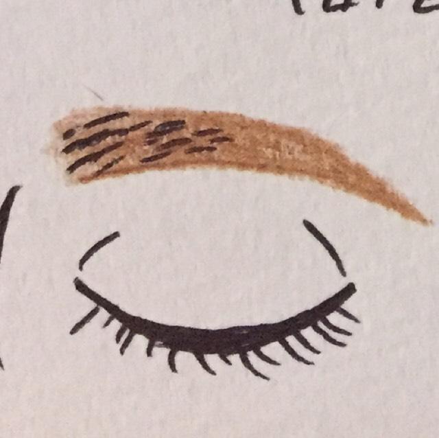 3.アイブロウ パウダーで輪郭の間を埋めて、眉頭の調節