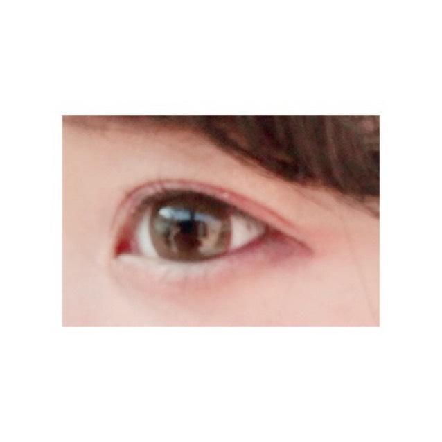 with some brown  1dayで衛生的に使えます!うるうるな瞳になりブラウンだけどヘーゼルに近いです!