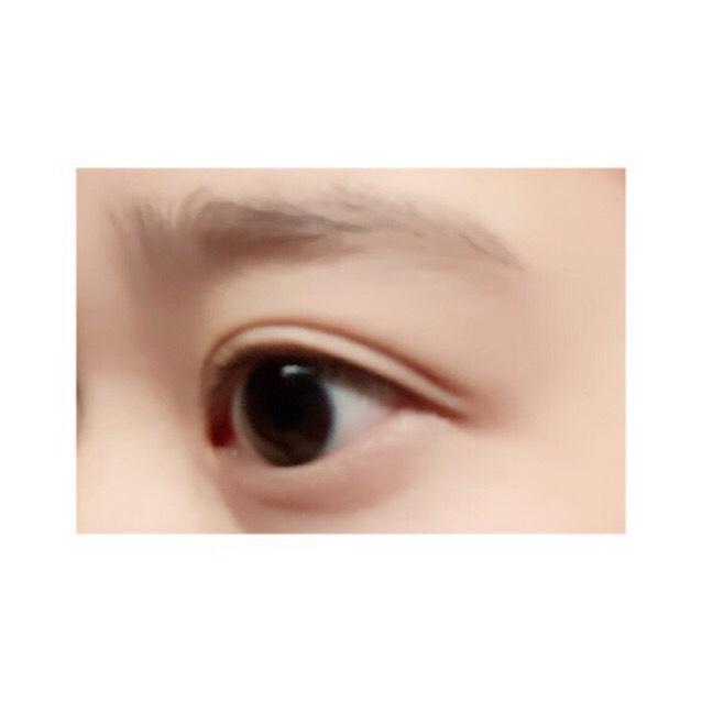 すっぴんはこちら↩︎ 上の写メは少し明るめに見えますが瞳の色は大体この写メに近いです