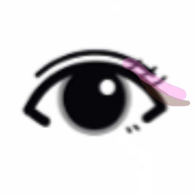 目尻だけアイラインを下げながら引く アイラインの上くらいの位置にピンミラのピンクをライン的に引く  (イラスト分かりにくくてすみません)