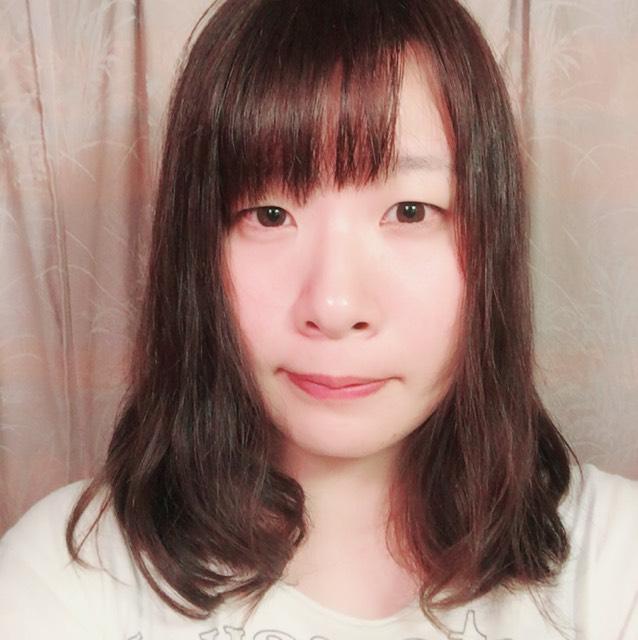 野崎智子さん風奇抜メイクのBefore画像